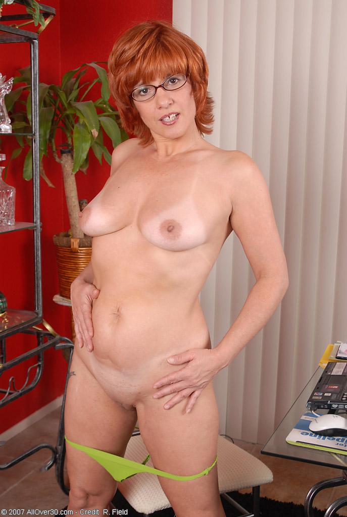 Рыжая порно мамаша 19 фотография