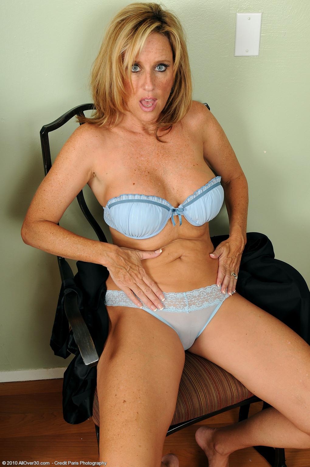 mature ladies in panties porn movies