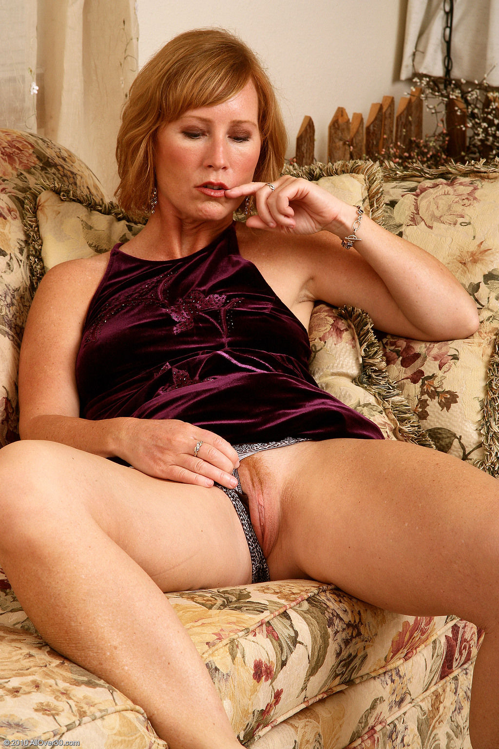 Hairy milfs over 40