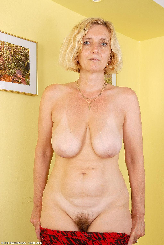 Нада фото голых волосатых женщин пожилых вопрос как